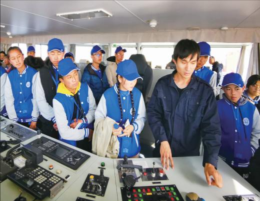 化隆34名贫困中学生到中国地质大学参加社会实践活动