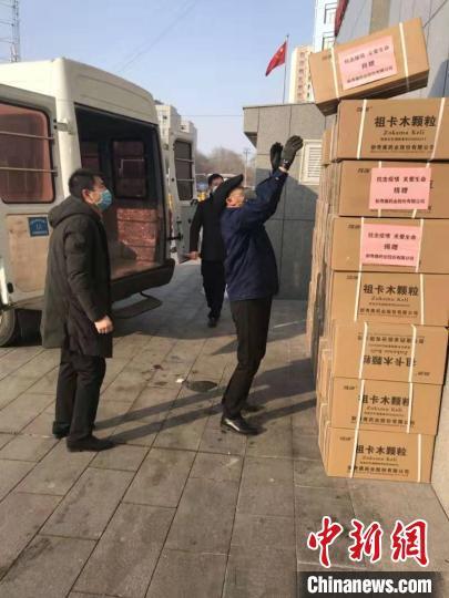 新疆治疗感冒发热药物经援疆专家举荐运往武汉